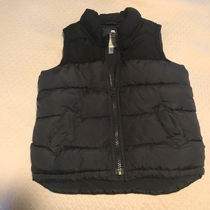 Old Navy Puffy Vest EUC 3T